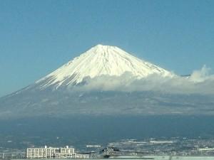 新幹線内からの富士山