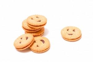 顔がかかれたクッキー